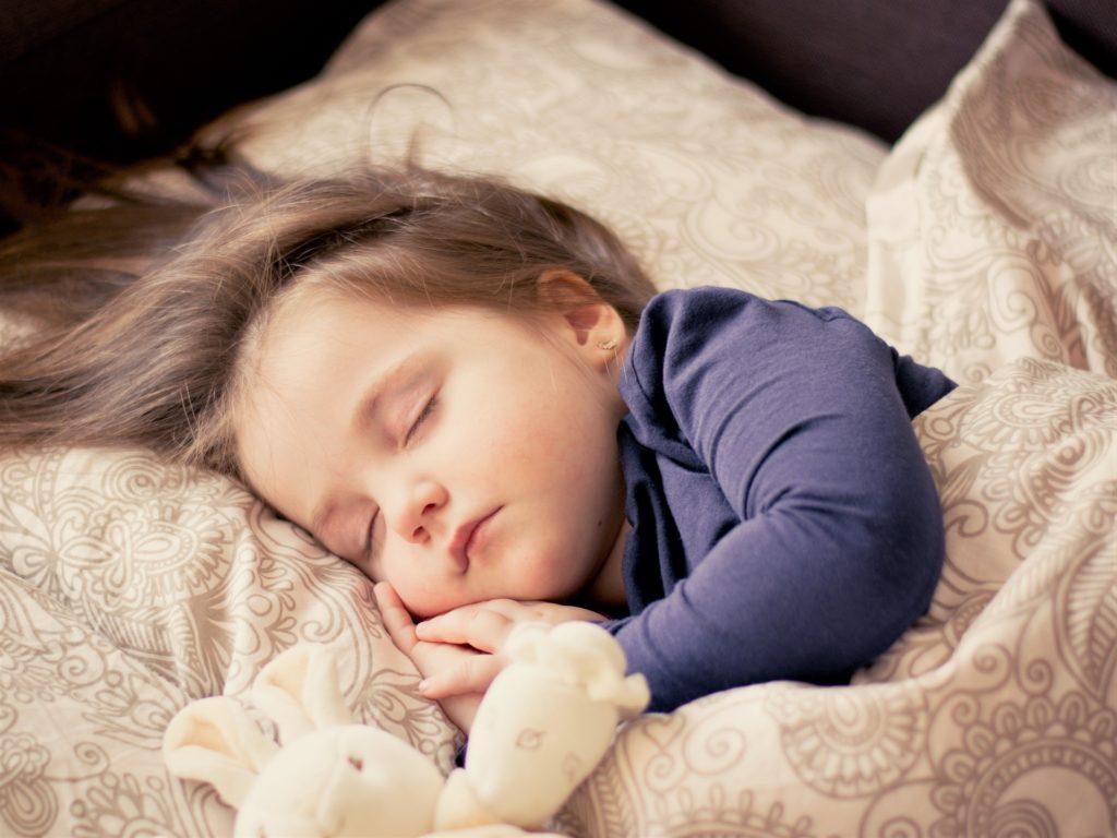 赤ちゃんの身体と精神の発達。子供の成長を左右する親の役割とは?